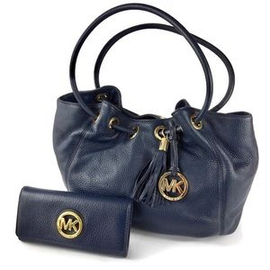 NWT! Michael Kors East West Navy Leather Ring Tote